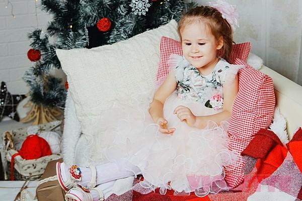 Платья для девочек на Новый год